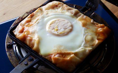 豆腐とキャベツの餃子の皮ガレット