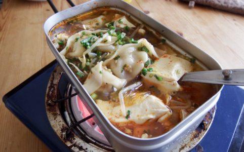 豆腐と餃子の中華スープ