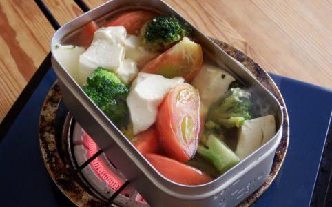 ブロッコリートマト豆腐スープ