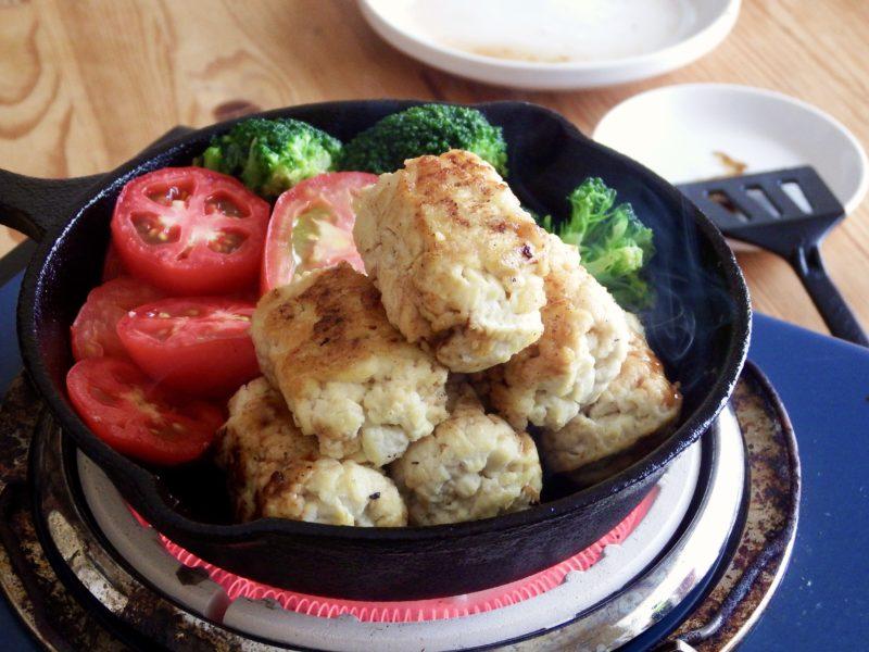 豆腐だけで作れるハンバーグ