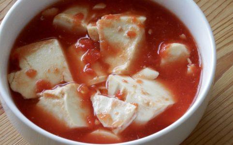 絹豆腐とトマト缶の甘々スープ